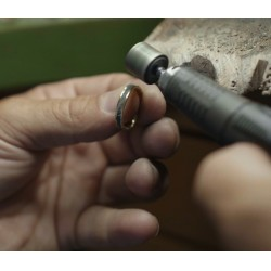 Aeolian ring zircons