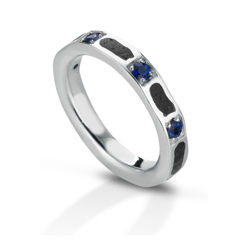 Aeolian ring wide sapphire